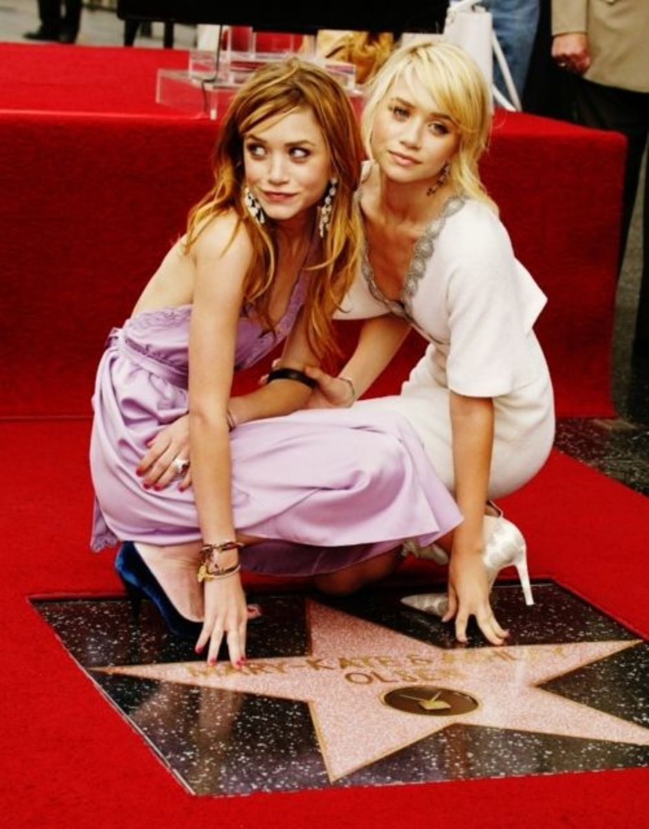Mary-Kate and Ashley Olsen share the same star.