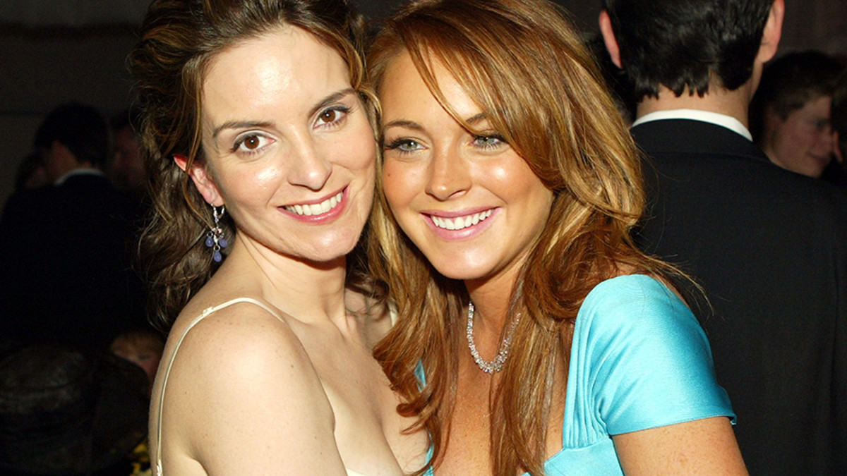Tina Fey & Lindsay Lohan at the 2004 premiere of Mean Girls.