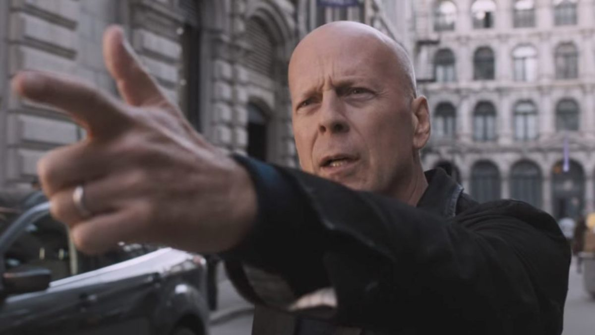 Bruce Willis actually acted and did a good job... HOW DARE HE?!