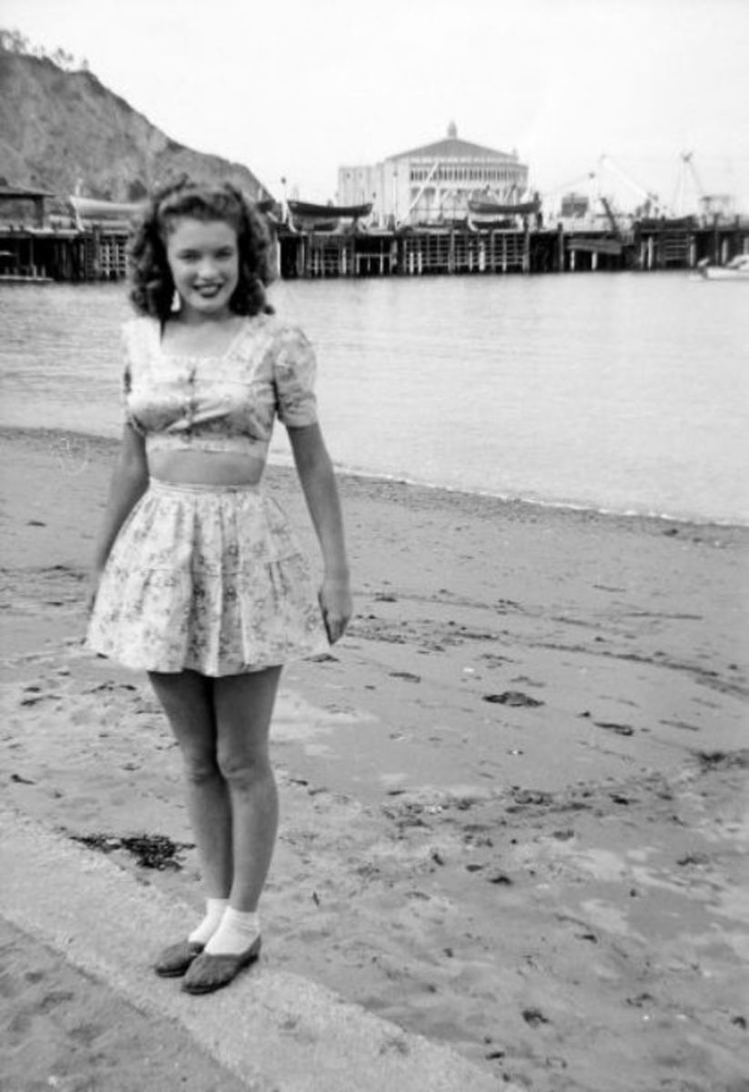 Norma Jeane at 17 in 1943.