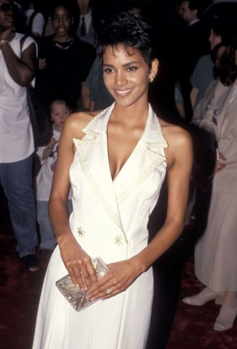 Halle Berry at the premiere of 1994's The Flintstones.