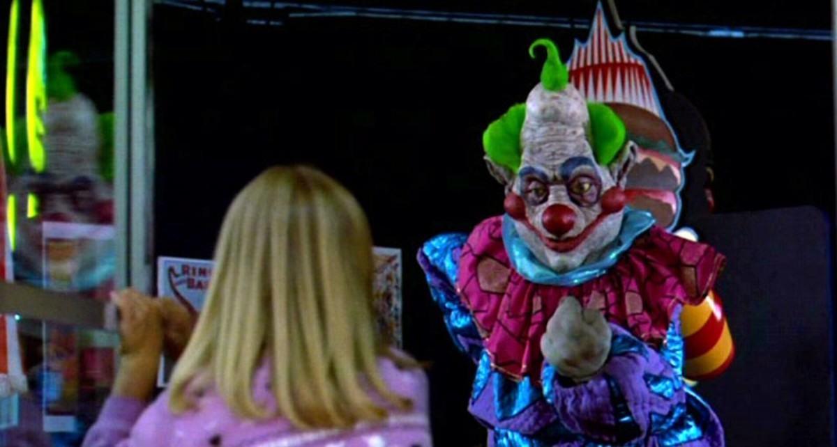 killer-klowns-from-outer-space-throwback-review