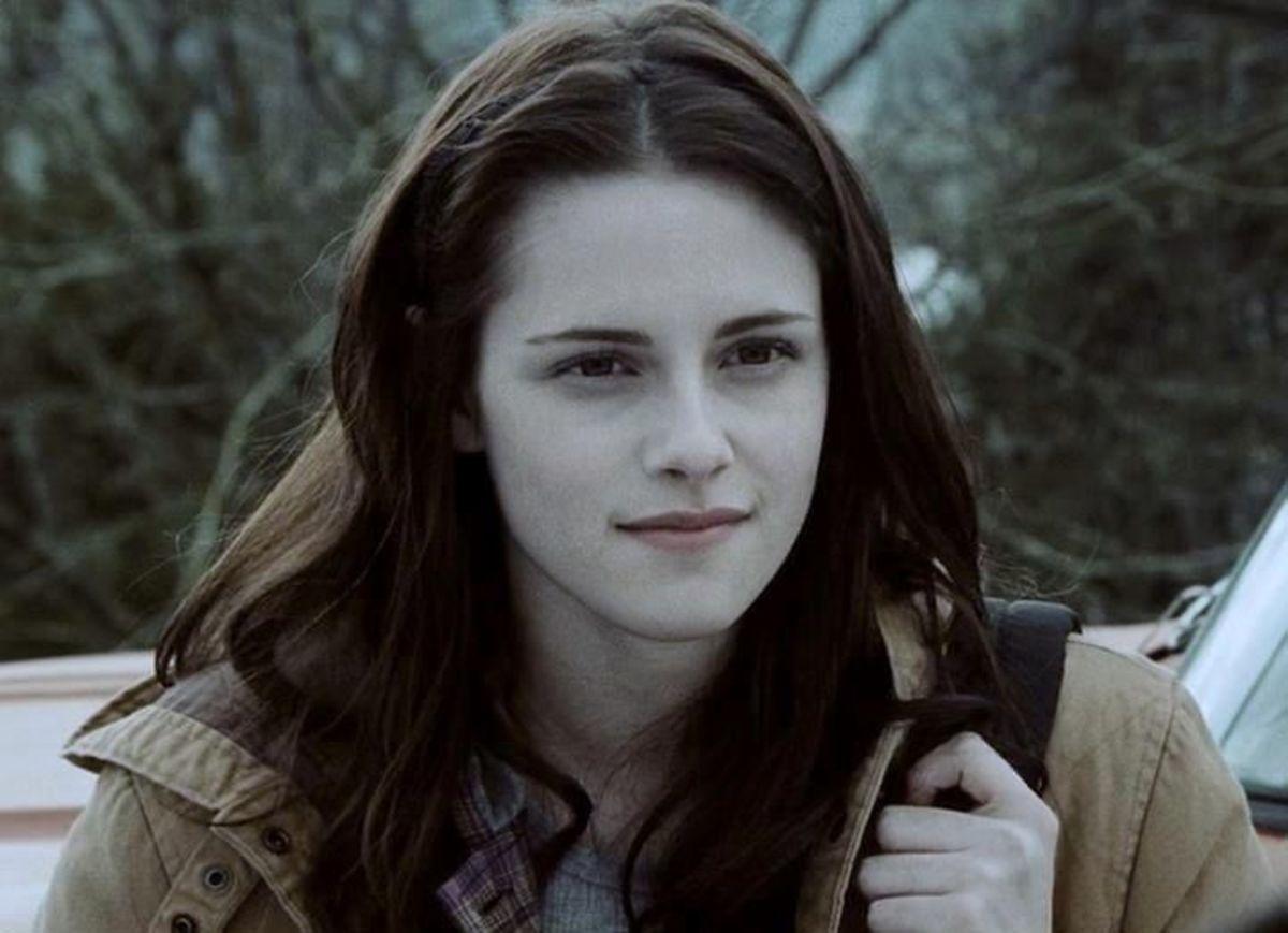 Kirsten Stewart as Bella Swan.