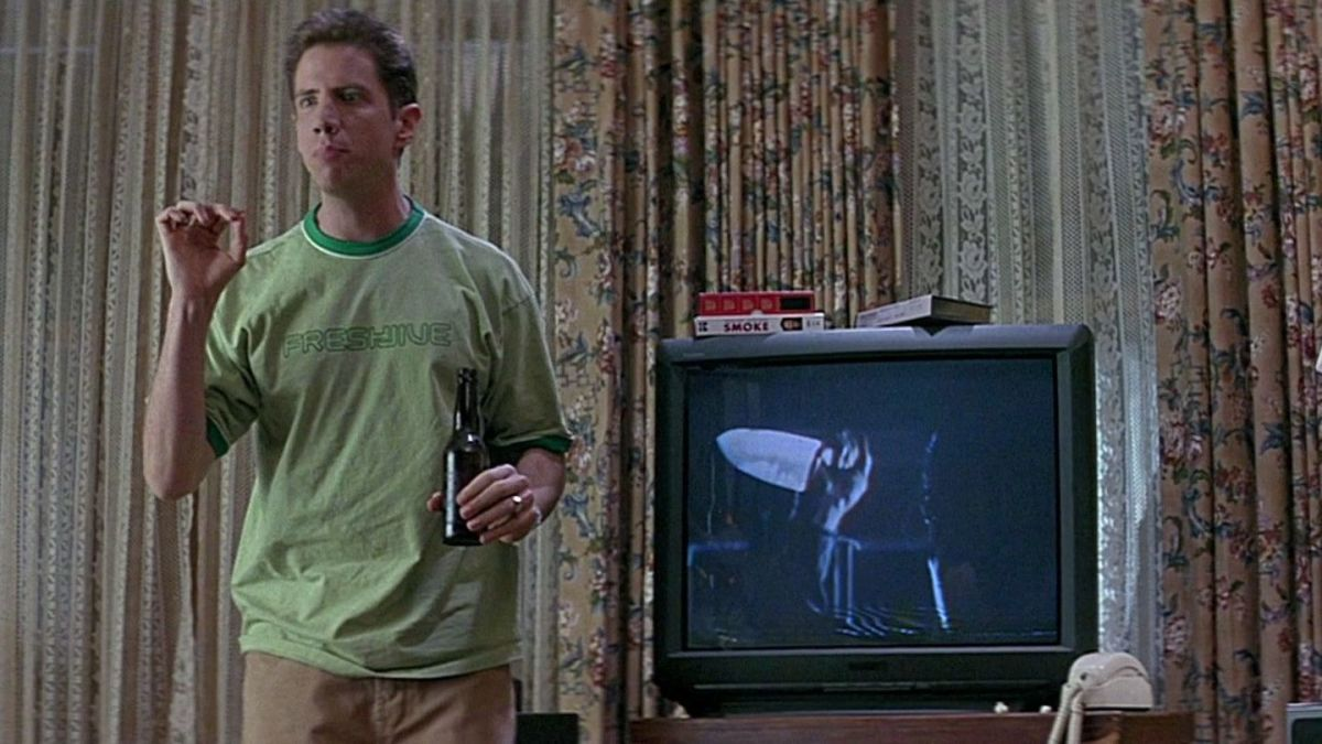 Jamie Kennedy explaining the rules of survival in a horror film as Randy in 'Scream'