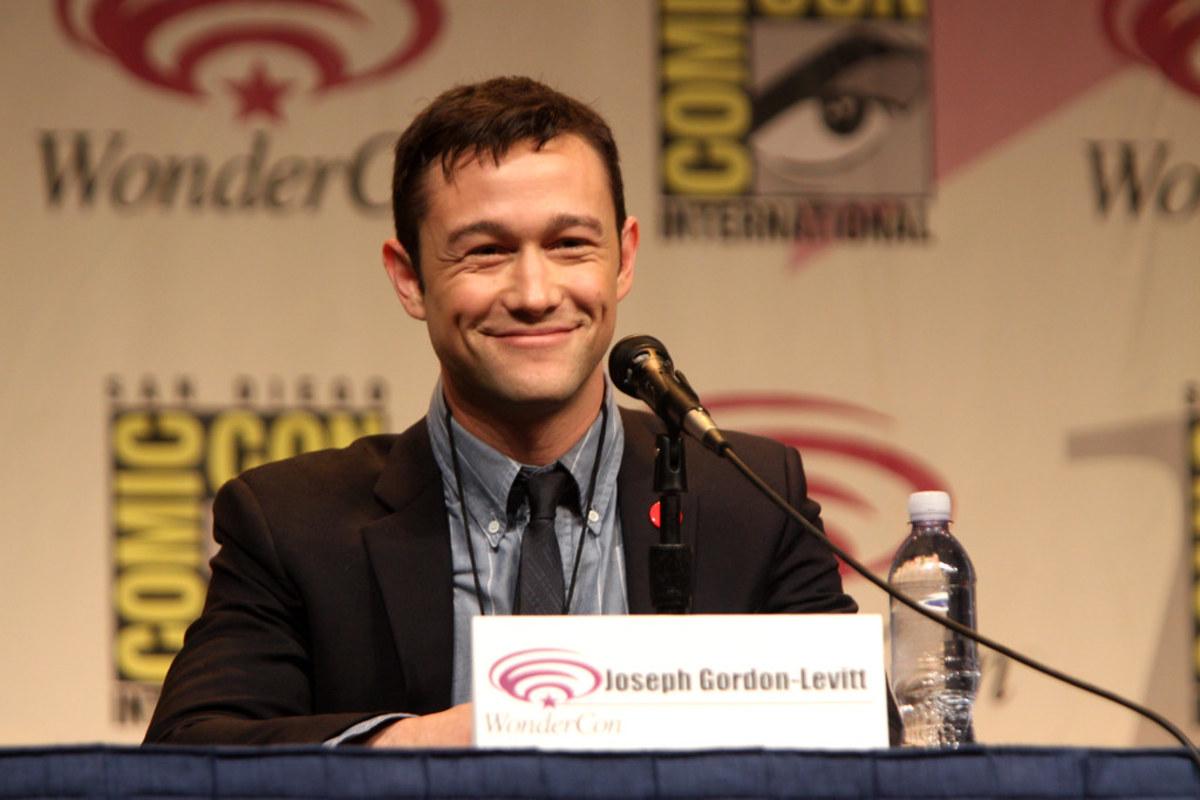Gordon-Levitt attending a panel at Comic Con
