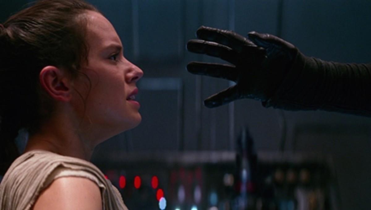 Kylo Ren interrogates Rey