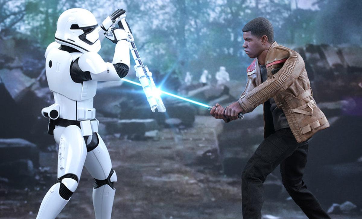 Riot control stormtrooper vs Finn