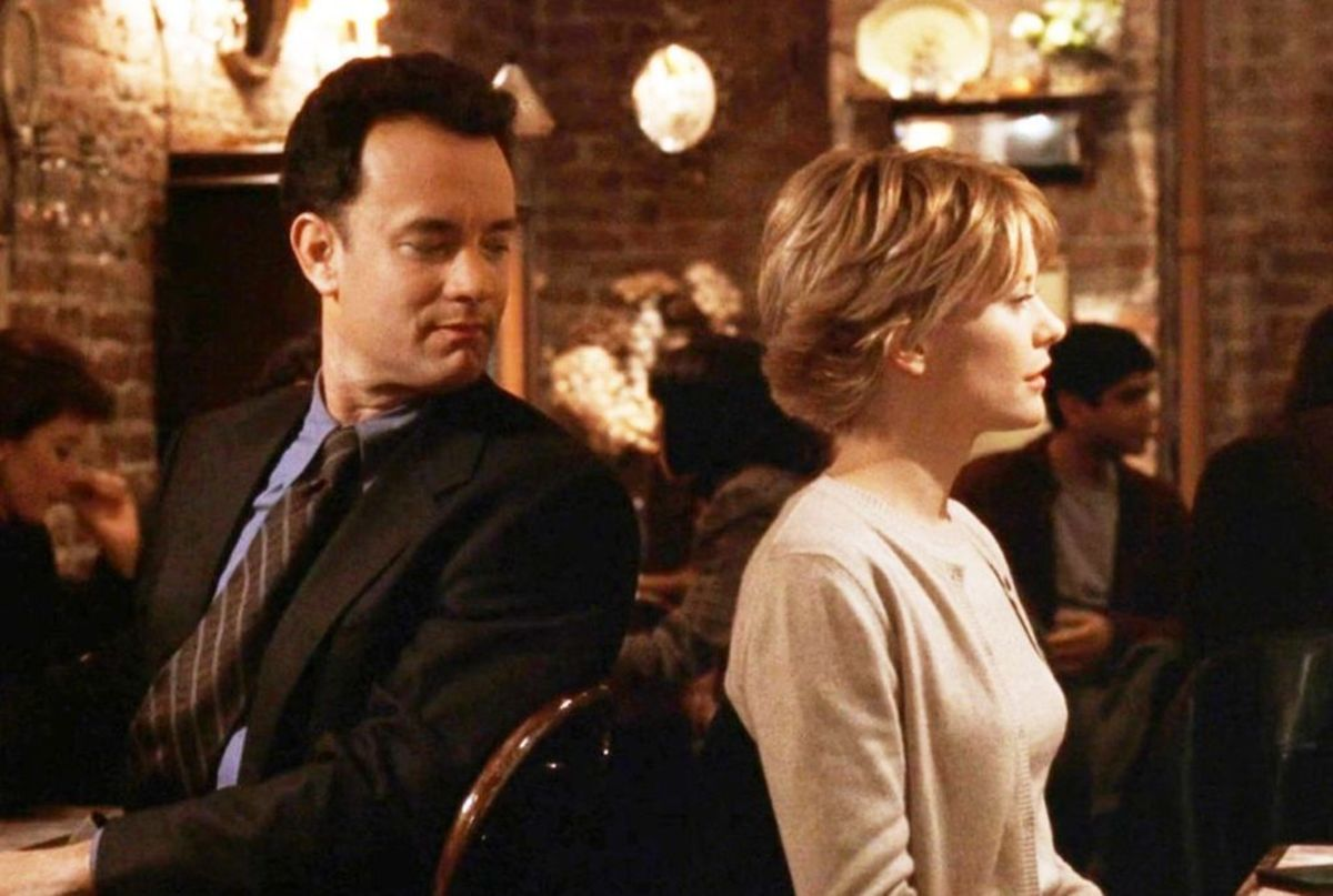Joe and Kathleen in the blind date scene from You've Got Mail, filmed in Cafe Lalo