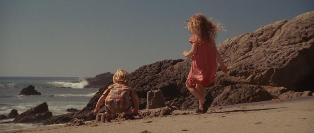 Cobb's children in an earlier dream sequence