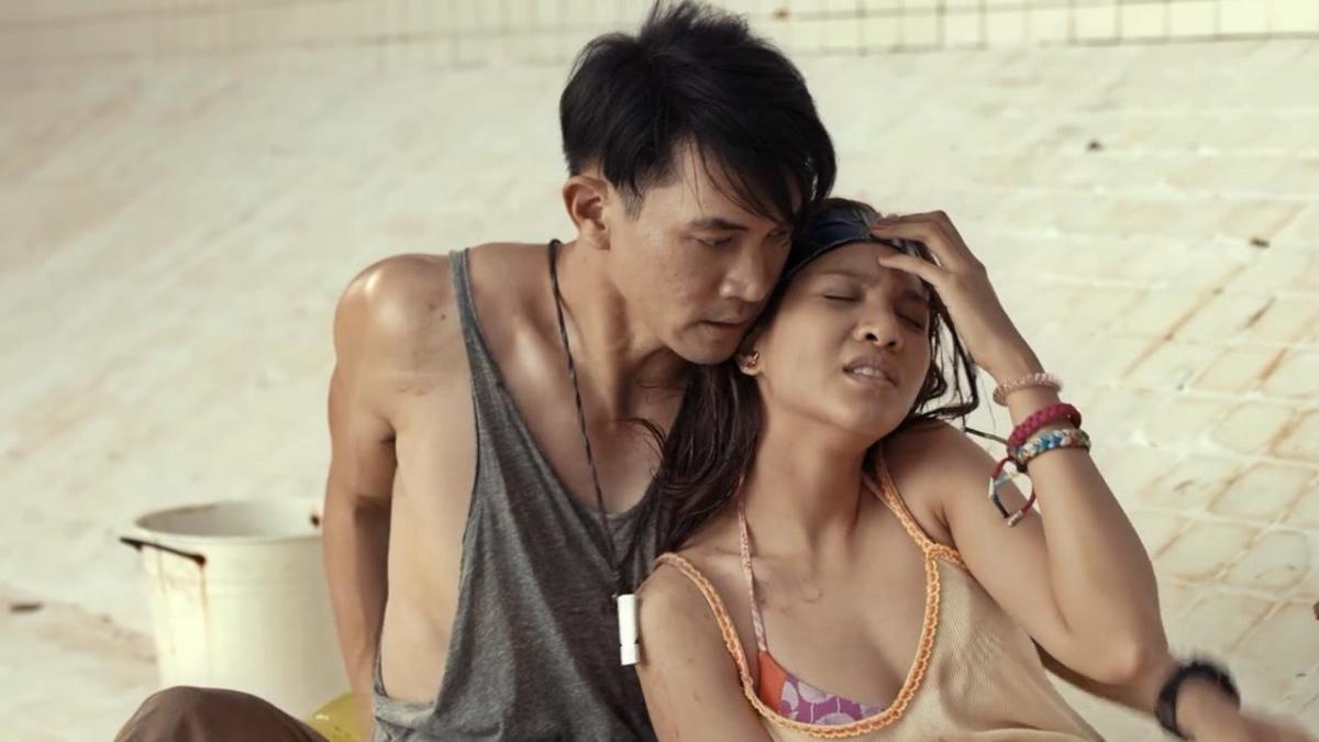 Theeradej Wongpuapan and Ratnamon Ratchiratham  as Day and Koi.