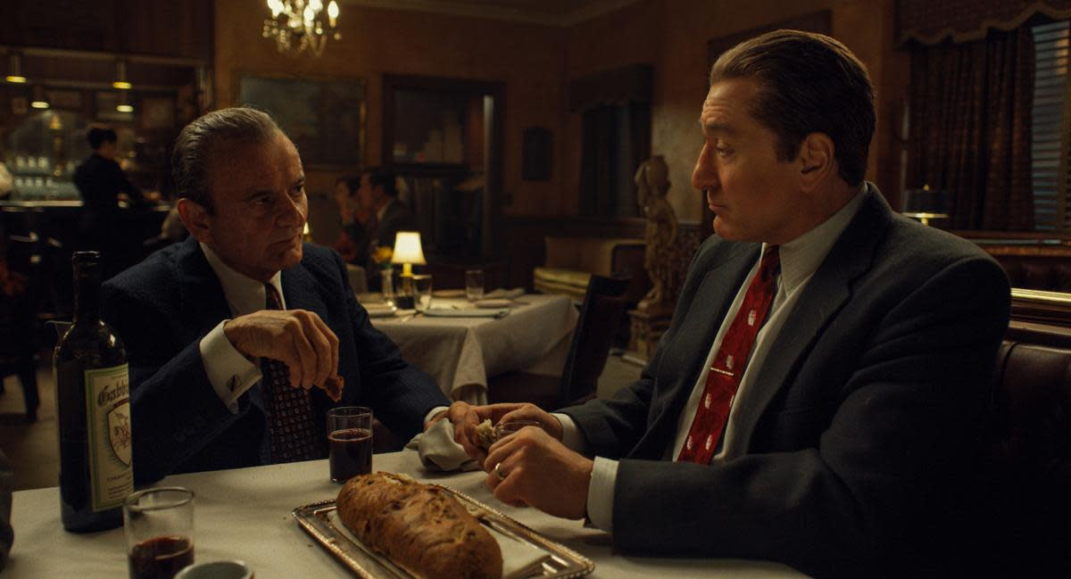Joe Pesci (left) and Robert De Niro (right) in 'The Irishman'