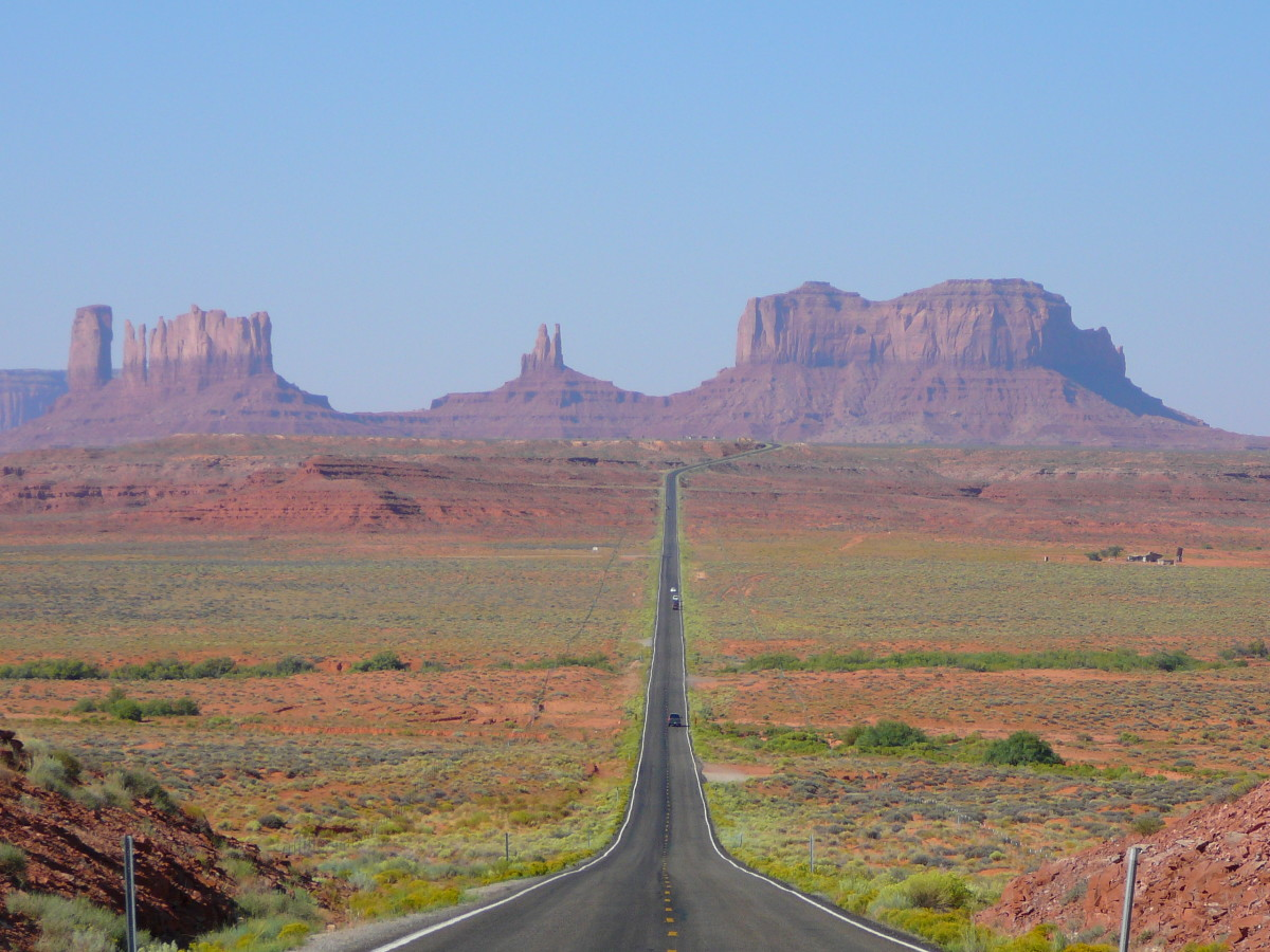 A view of the Monument Valley via Highway 163.