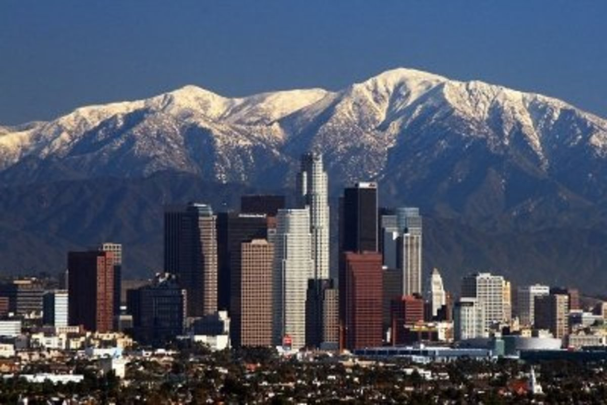 The Los Angeles skyline and San Gabriel mountains, picture by Navid Serrano