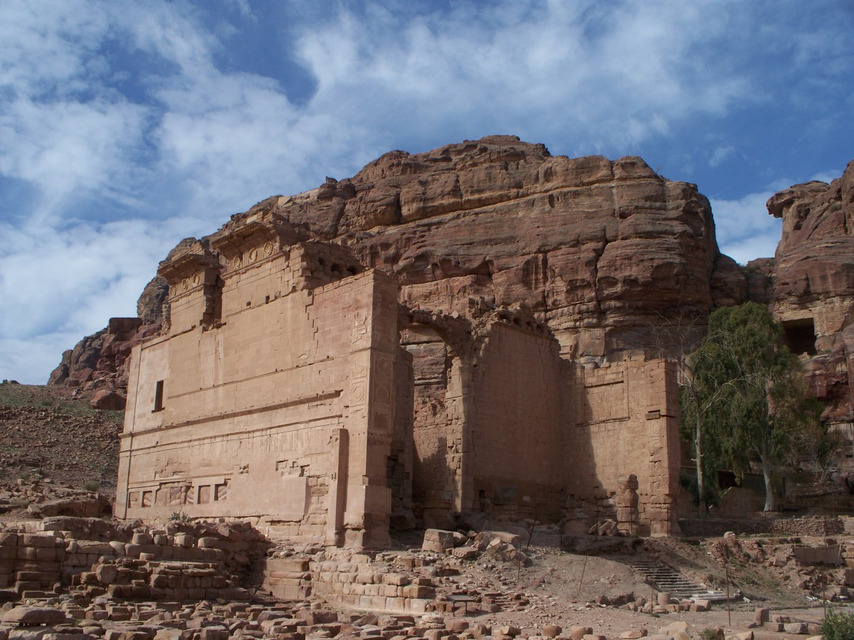 magical-petra-backpacking-the-middle-east