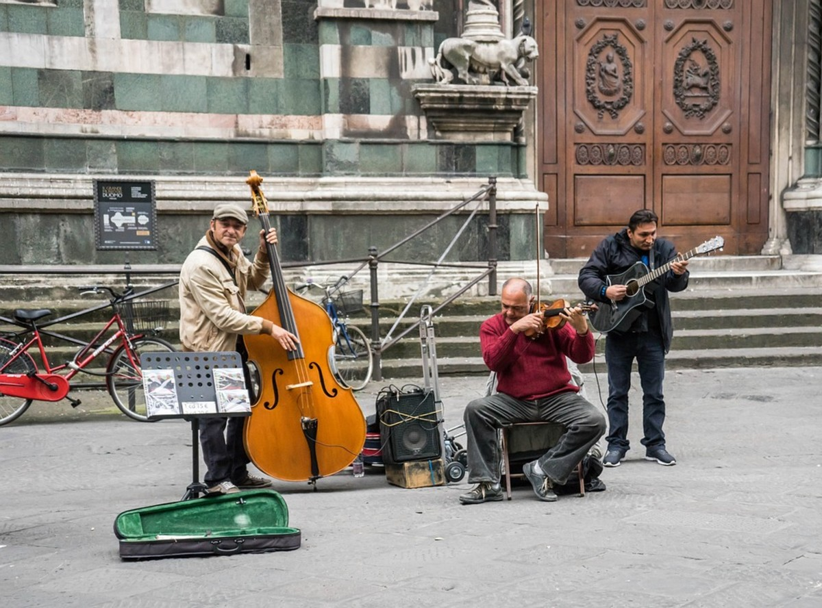 You may be lucky and have some street entertainment while you're queueing