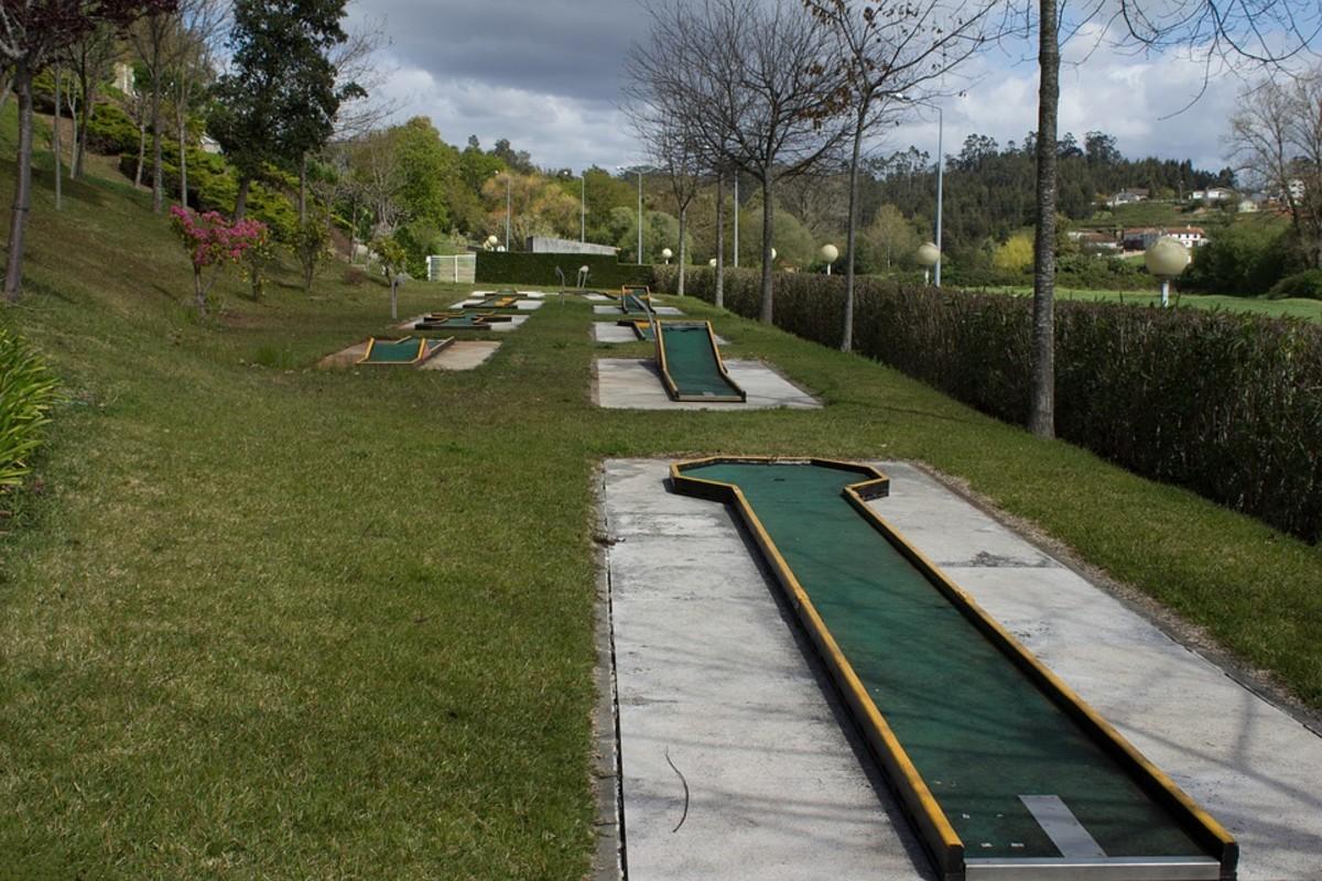strange-miniature-golf-courses