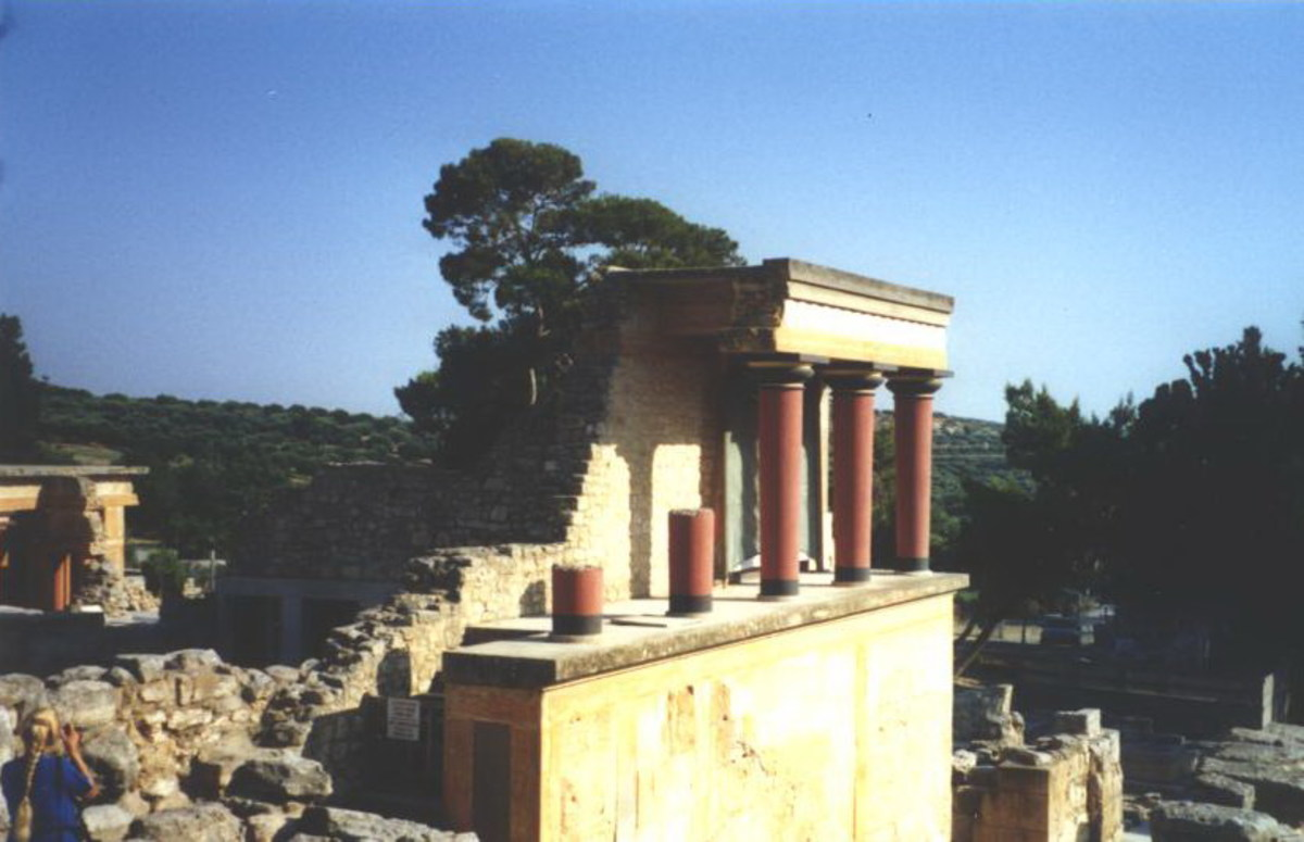 Reconstructed temple facade at the palace of Minos