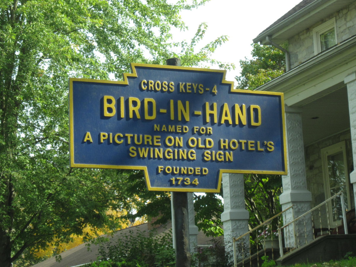 Bird-in-Hand Town Sign