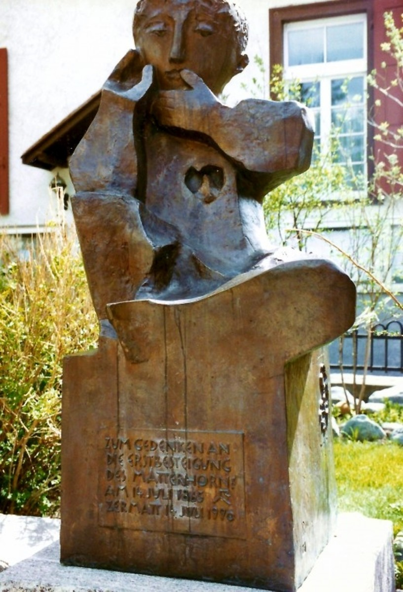 Photo of sculpture in Zermatt for those who love the Matterhorn