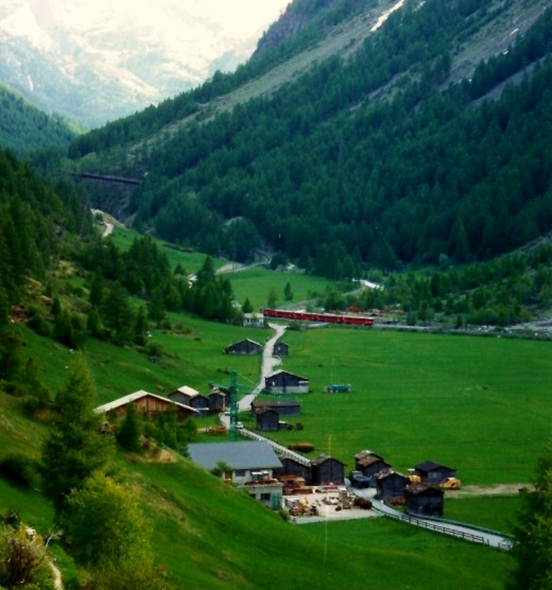 Tasch, Switzerland is situated in a valley.