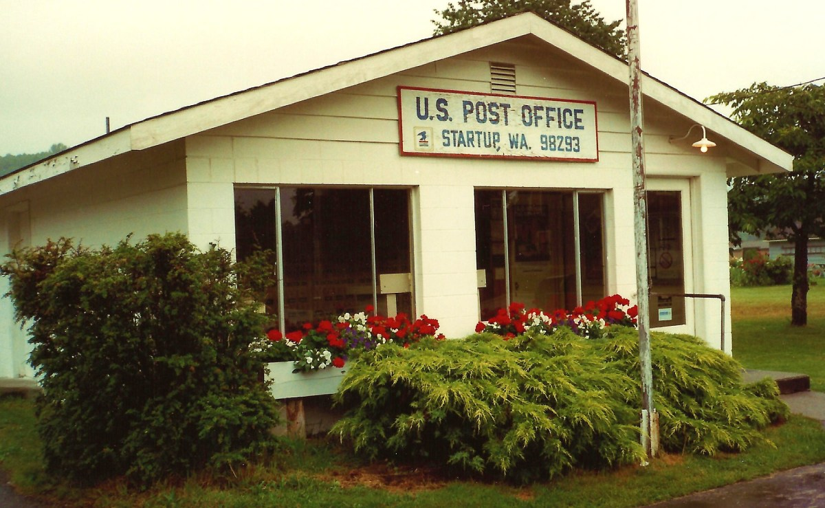 Post office in Startup, Washington