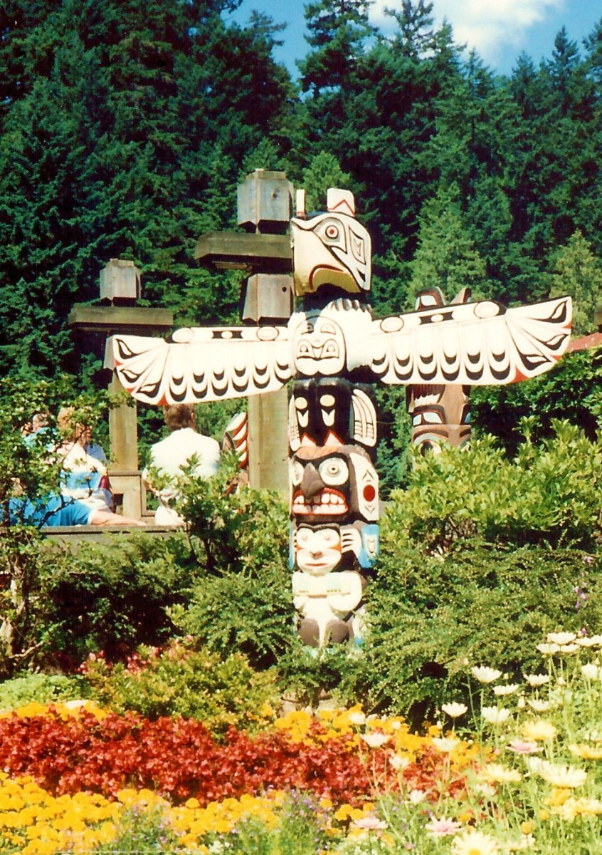 One of many totem poles at this site
