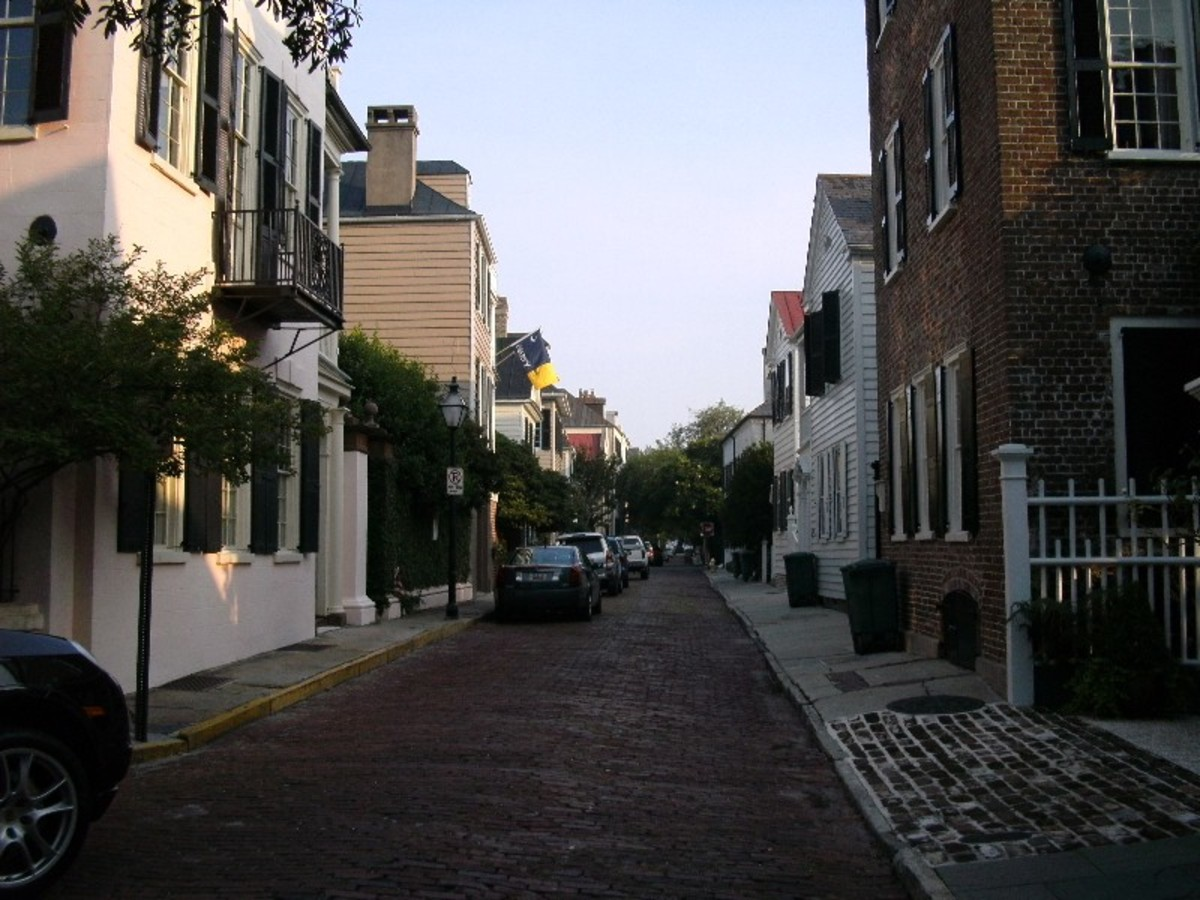 If you want to experience Charleston to the fullest, pack your comfy shoes. Sandals and stilettos don't mix well with cobblestones.