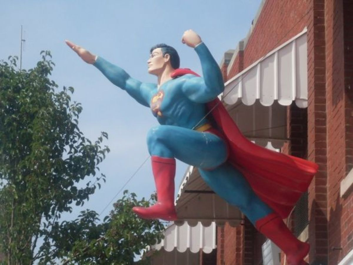 Another Superman statue in Metropolis, Illinois.