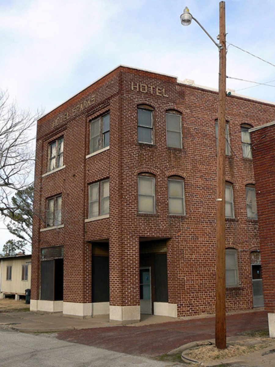 Hotel Sparks was once one of the major hotels in Okmulgee around the 1920's.