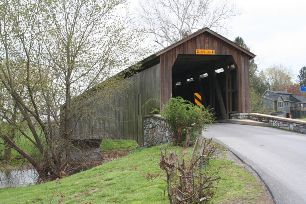 Hunsecker Mill Covered Bridge. Lancaster County, Pennsylvania.