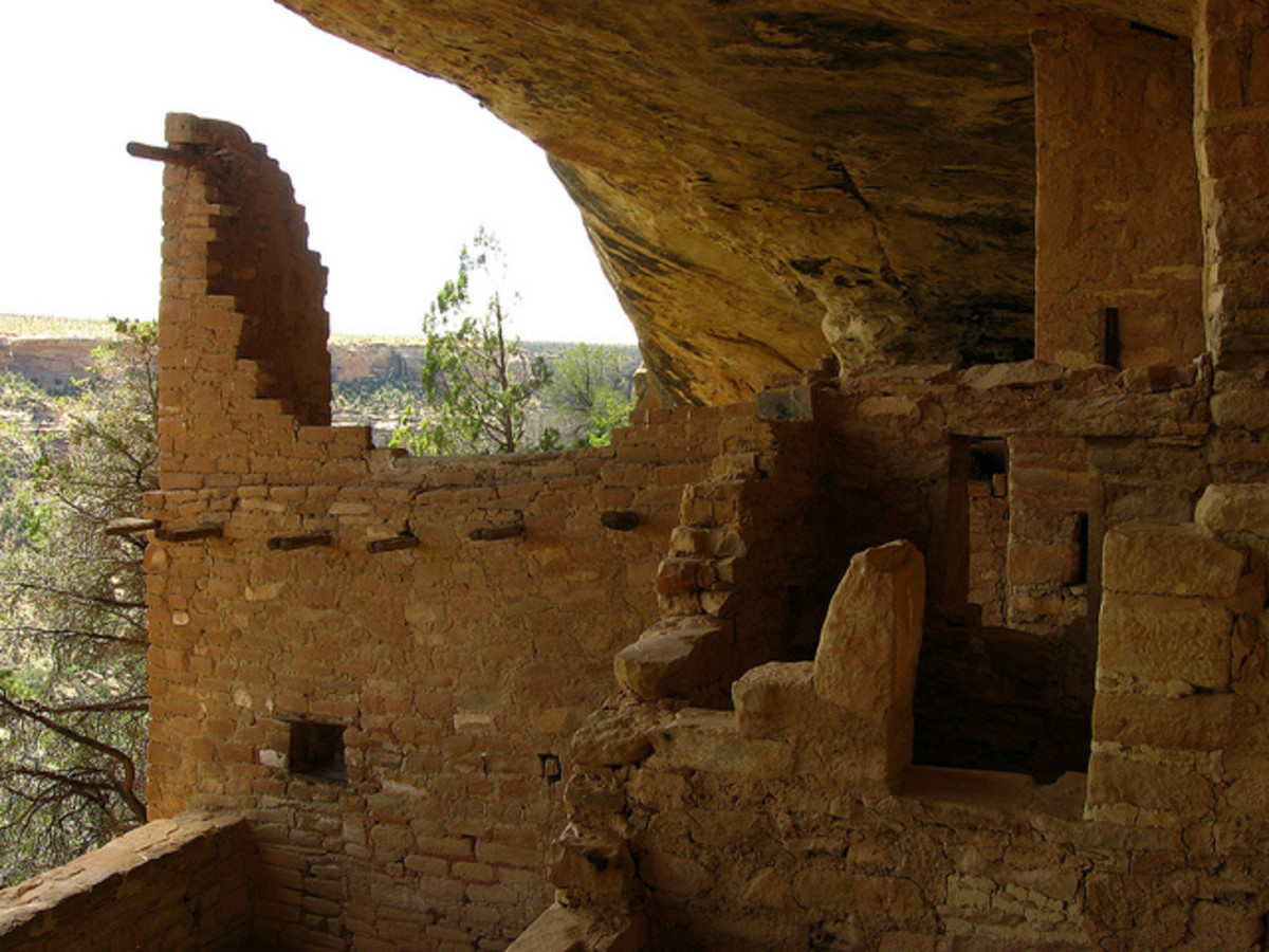Looking out across the canyon from inside Balcony House.