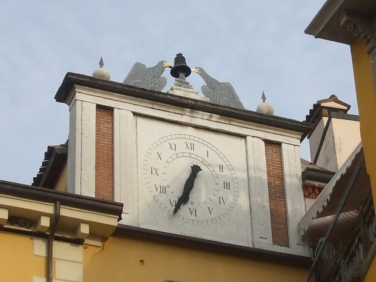 Peschiera's town clock is chimed by two eagles striking a bell with their beaks.