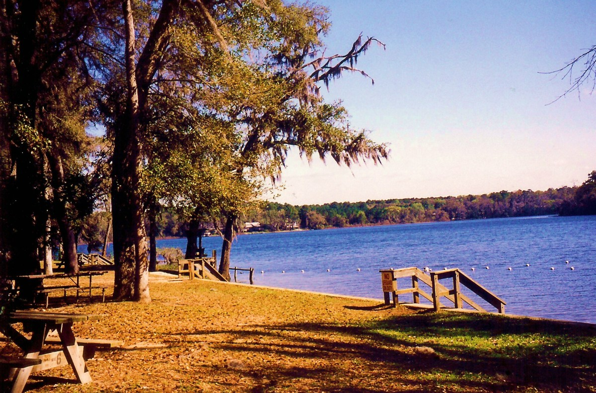 Lake Hall on the property at Maclay Gardens