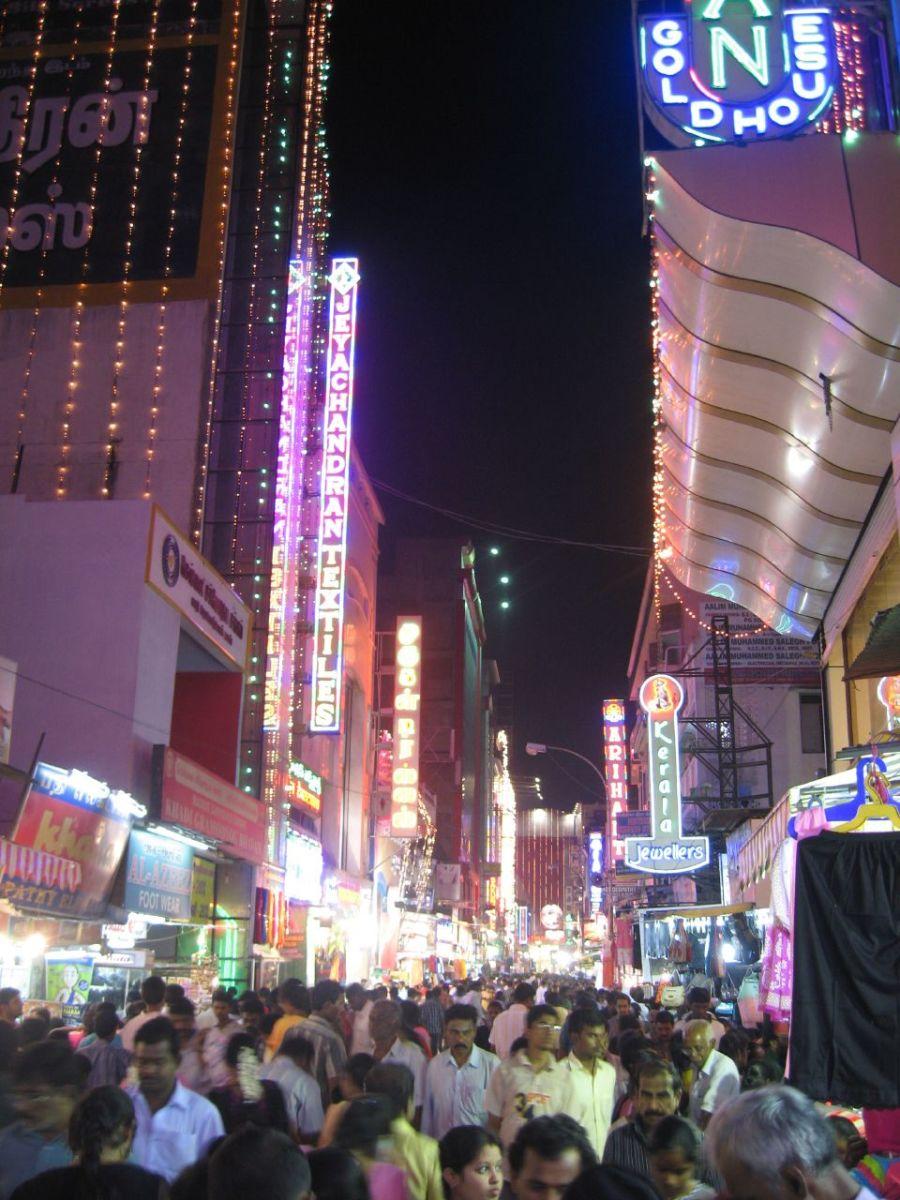 Christmas shopping on Ranganathan Street.