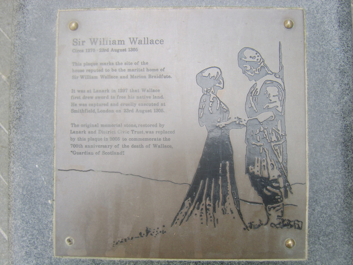 Plaque at the Monument to William Wallace's Marital Home in Lanark