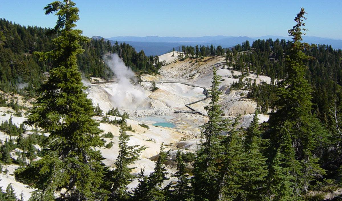 "The geothermal hot spots in Lassen National Park include ""thumping"", boiling mud pots and steam vents."