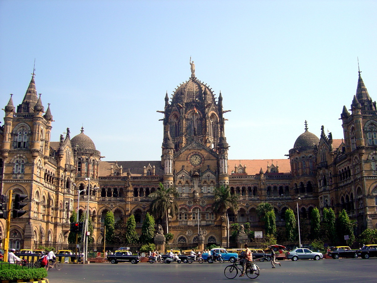 CST—The finest example of British architecture in Mumbai.