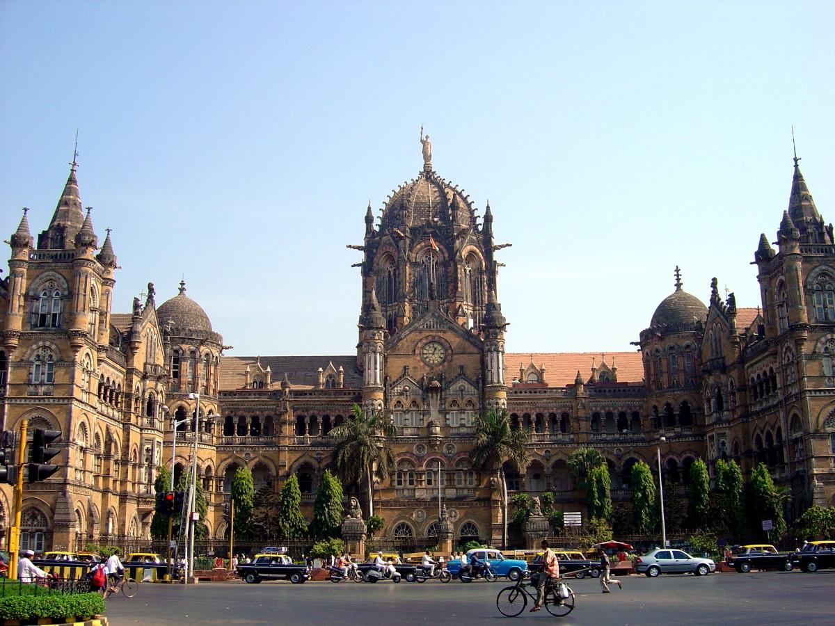 CST—The finest example of British architecture in Mumbai.