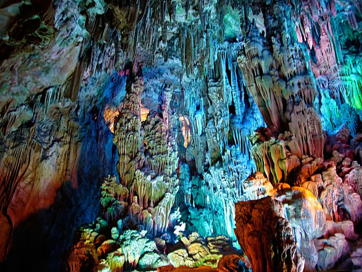 Despite having been visited hundreds of years earlier, Reed Flute Cave did not become the well-lit destination it is today until after it was rediscovered by refugees fleeing the Japanese military in the 1940s.