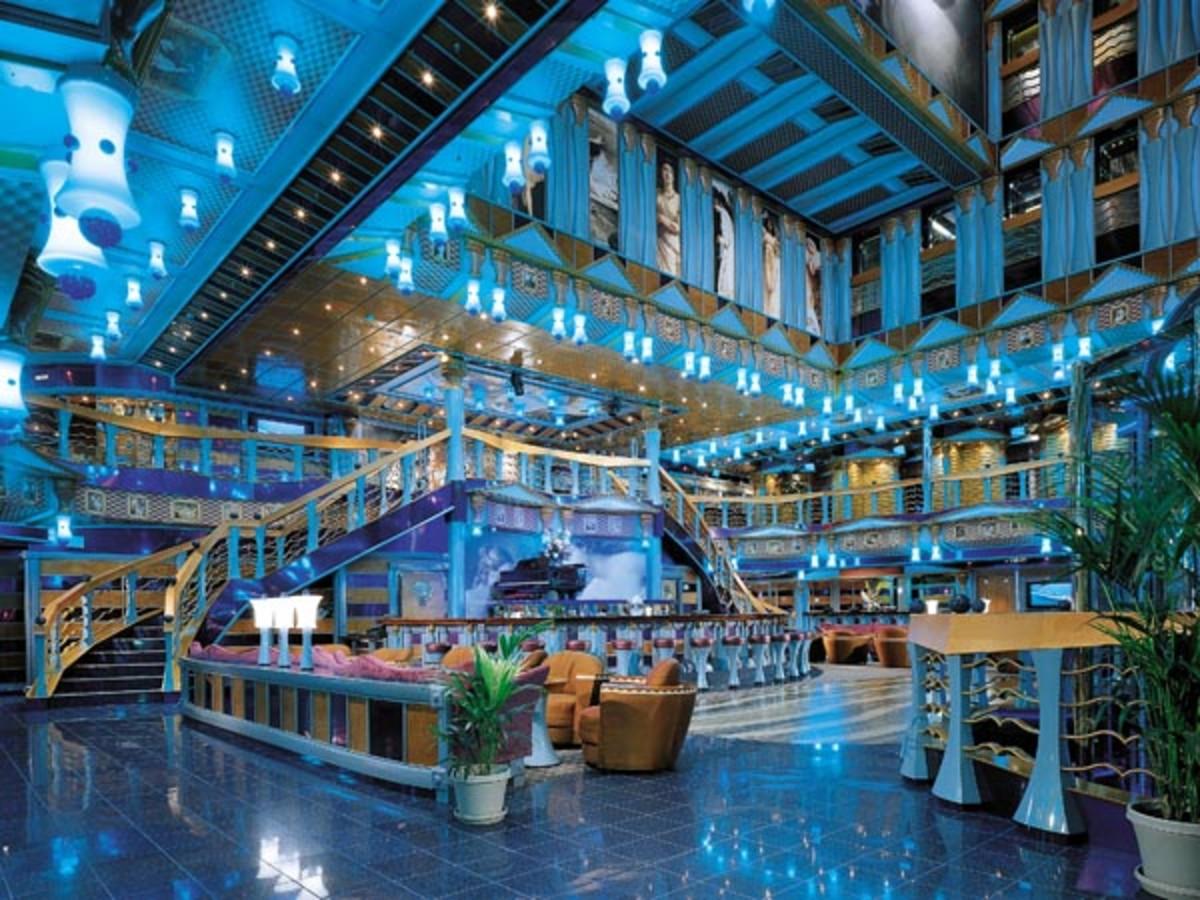 Metropolis Atrium bar (Carnival)