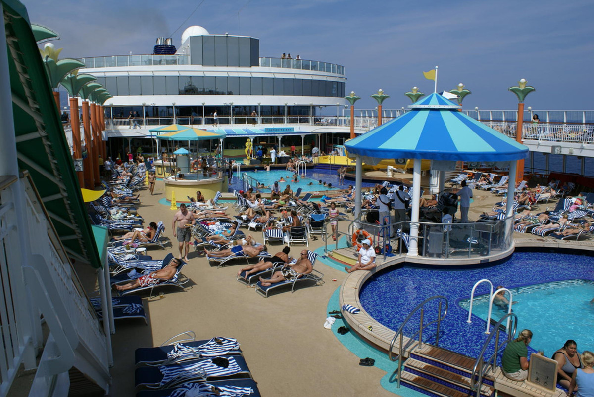 Norwegian pool deck