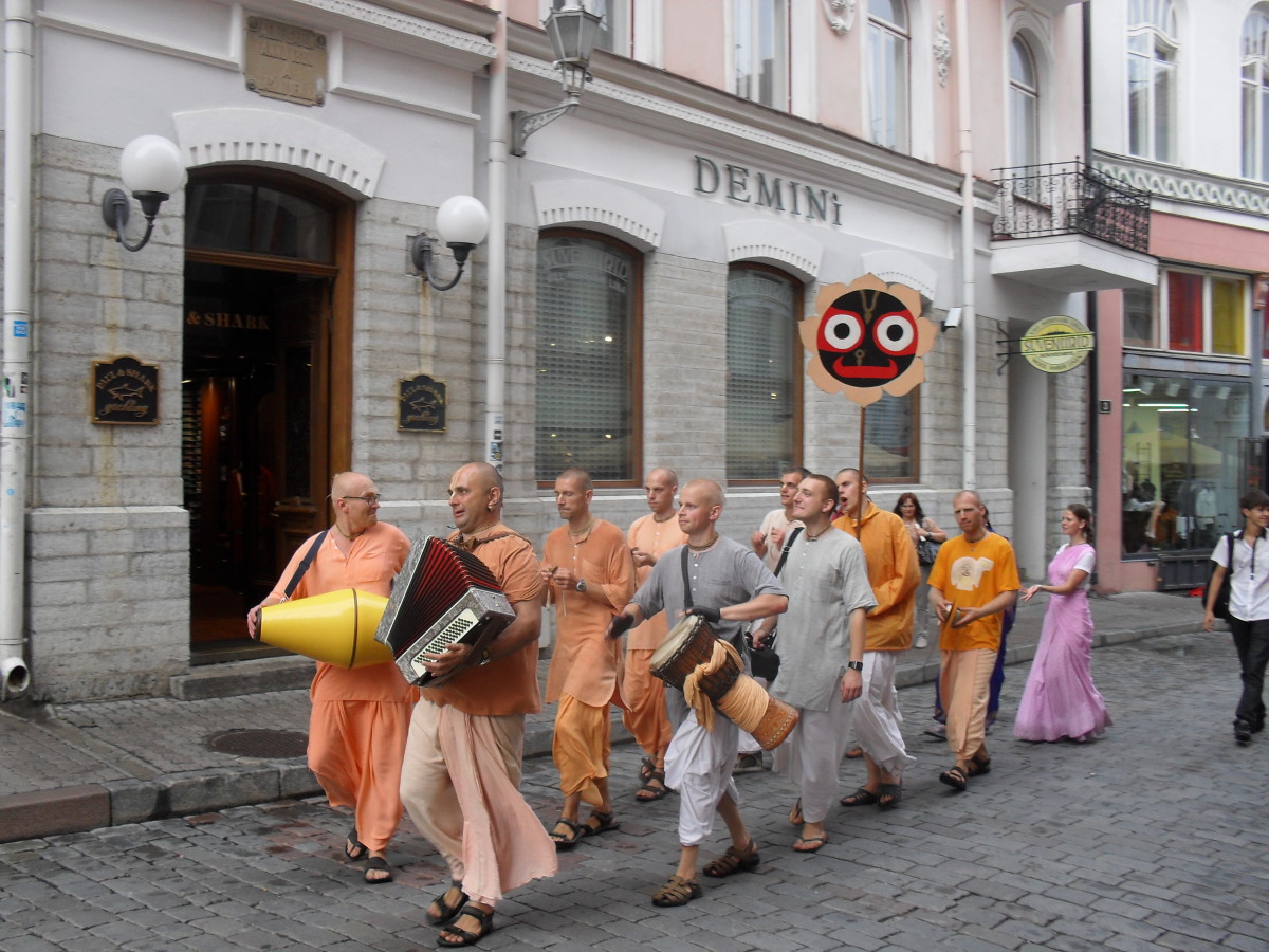 Animated monks singing and dancing through the streets of Tallinn.