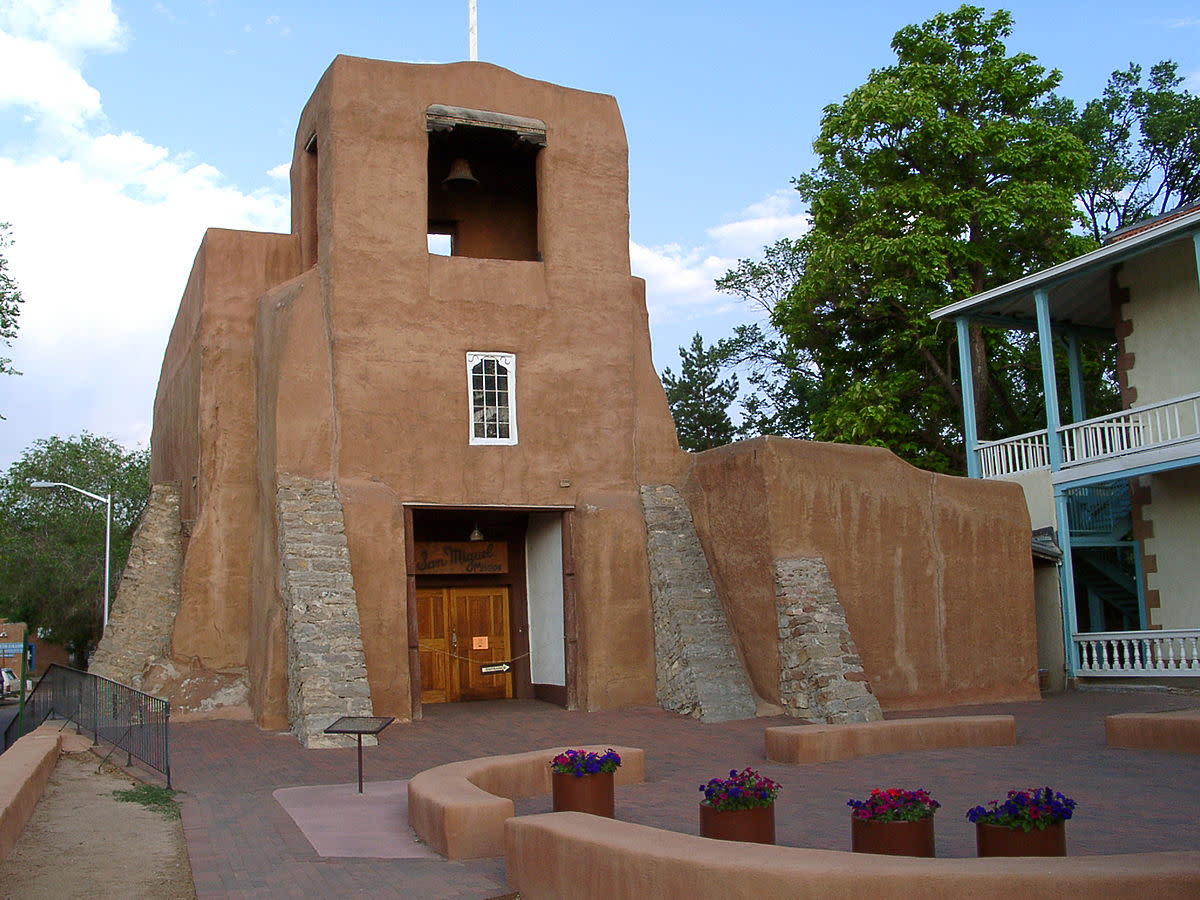 San Miguel Chapel, Sante Fe, New Mexico. Oldest church structure in the US. Original adobe walls built in approximately 1610AD.