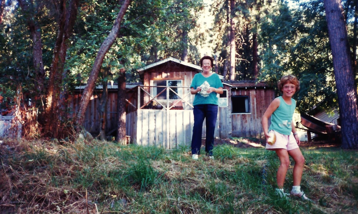 My mother and niece looking back towards our unit at Motel Del Rogue.