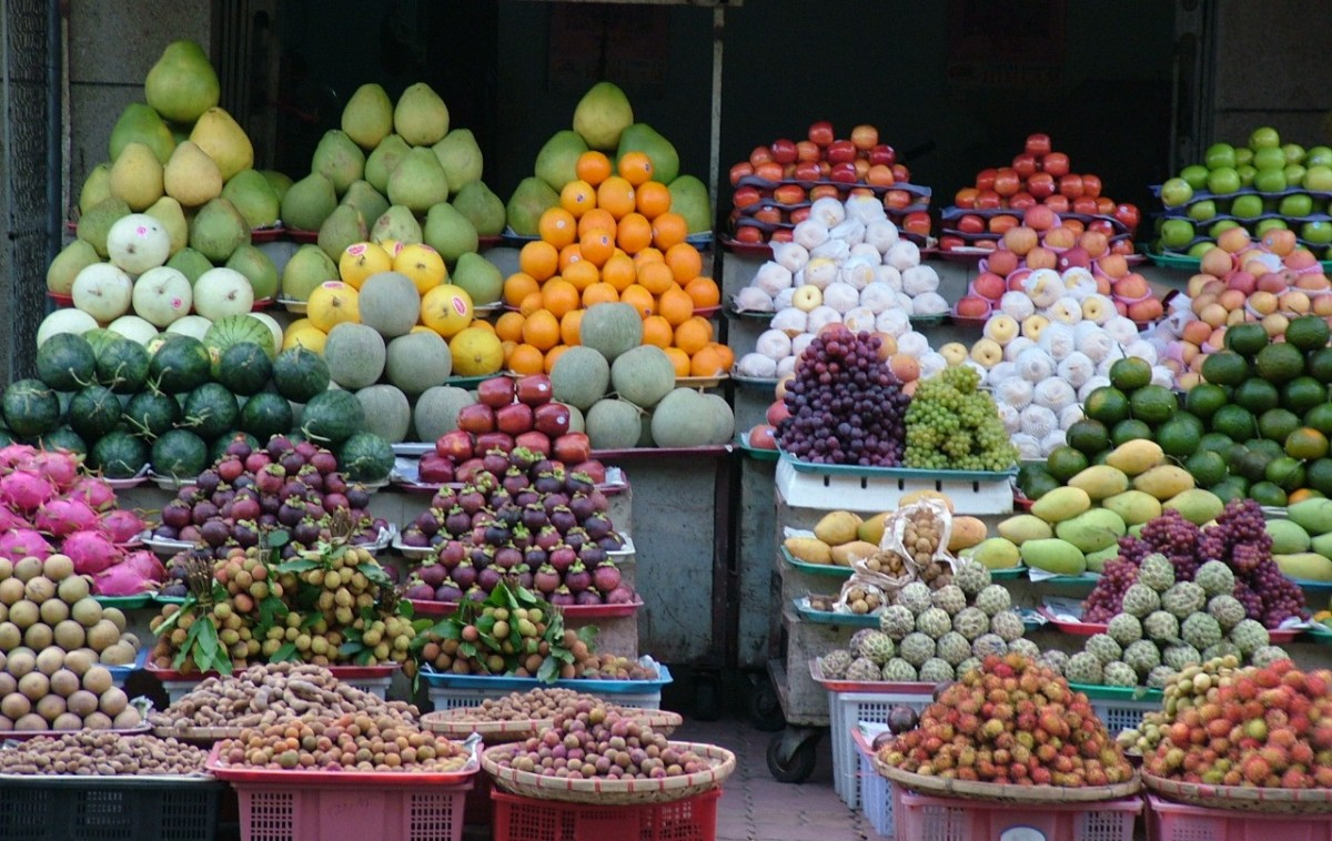 Vietnamese markets sell fresh produce.