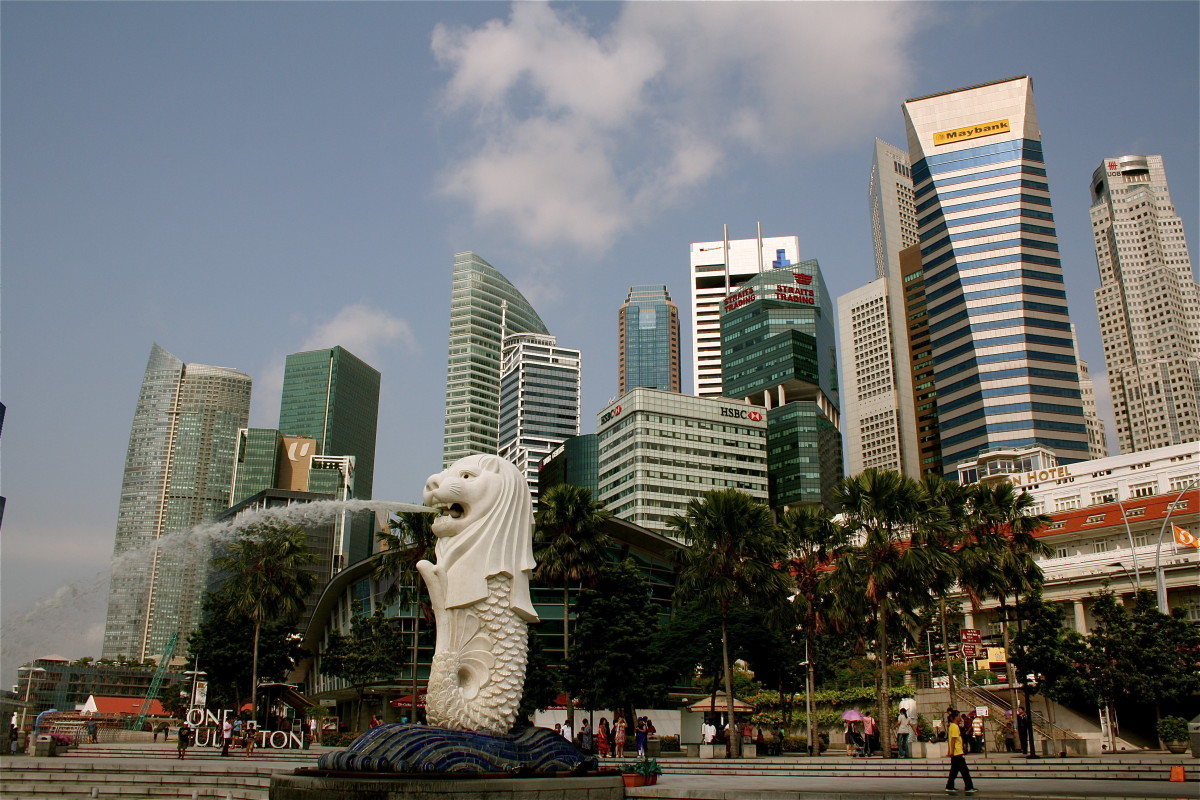 The Merlion with Singapore's CBD in the background