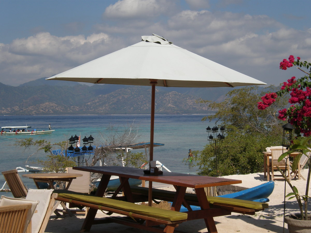 Fish Grill Open Air Restaurants at Gili Trawangan. Indonesia. Delicious, pleasant, romantic, inexpensive dinners and the best of food.