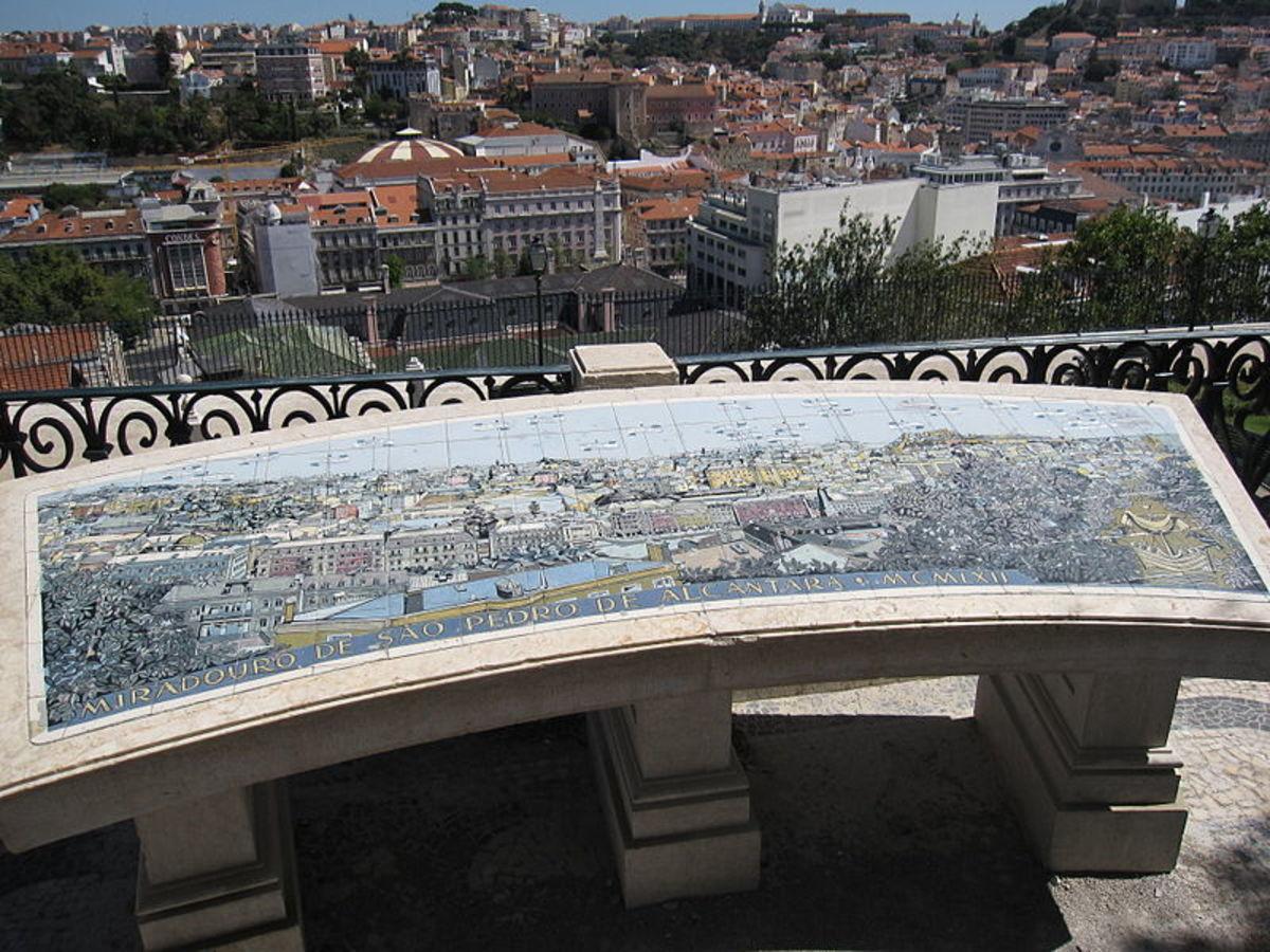 My favorite viewpoint of Lisbon - Miradouro de São Pedro de Alcantara
