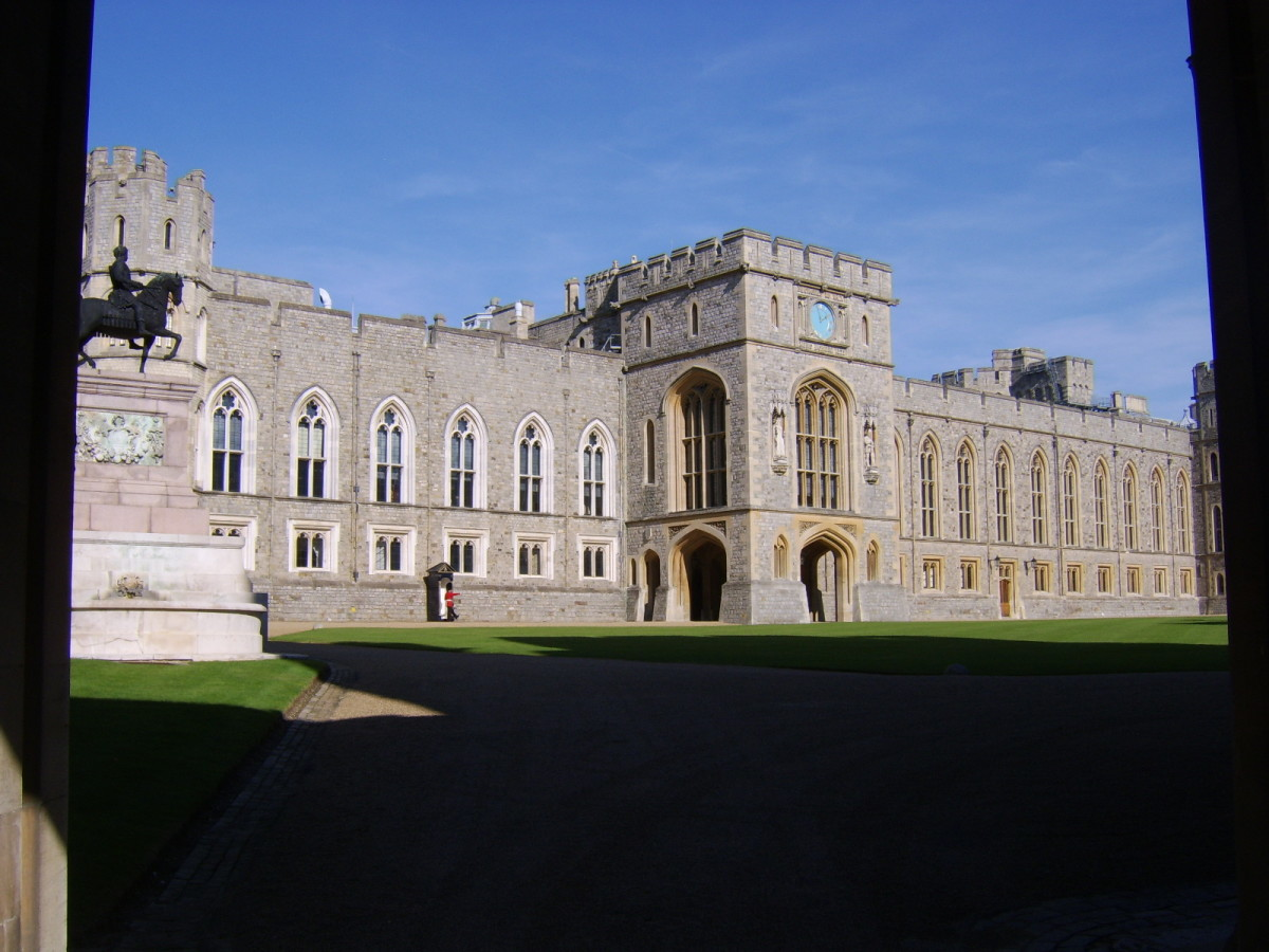 A sentry can be seen standing guard outside the North Wing of Windsor Castle, where the State Apartments are to be found