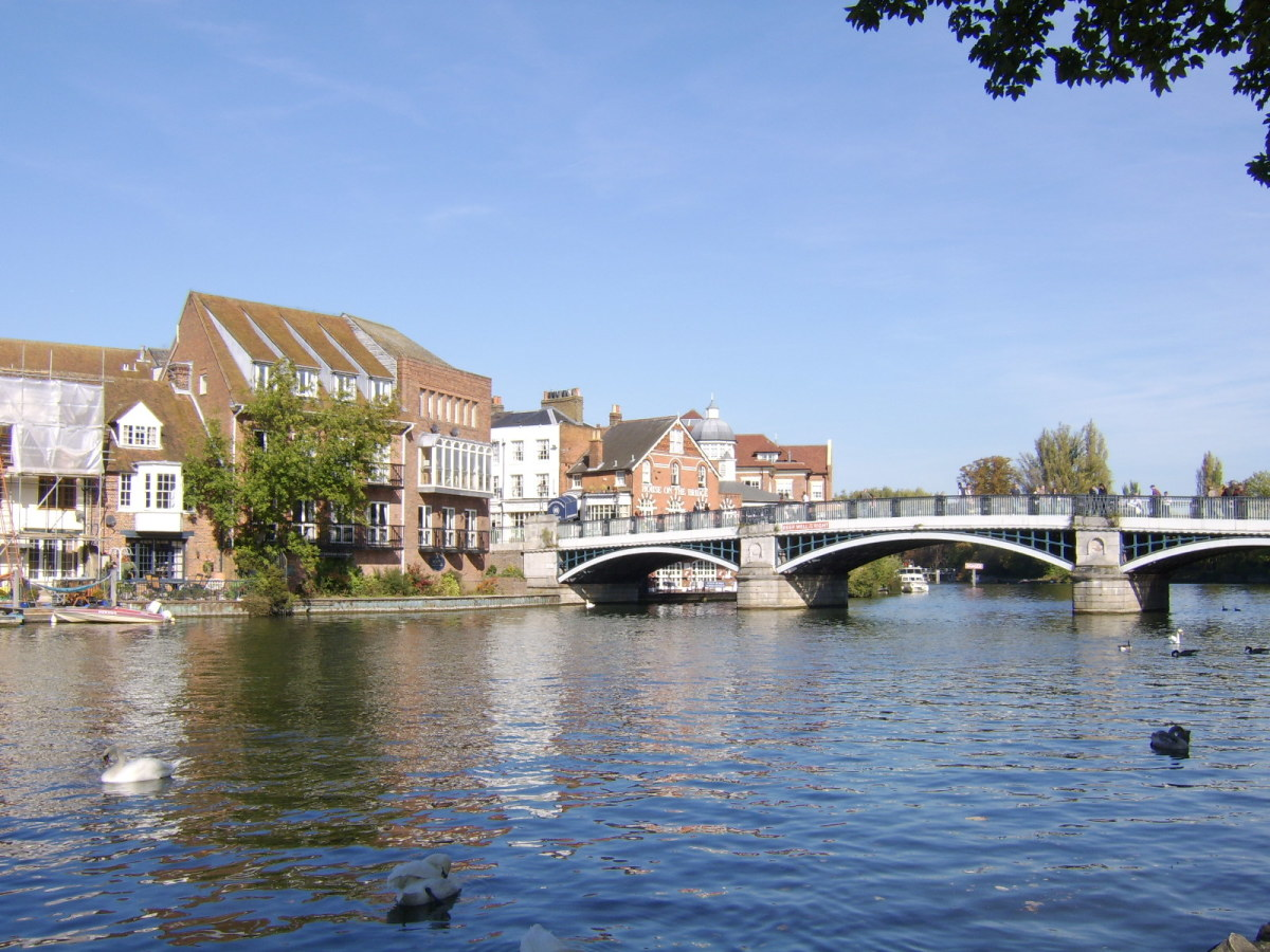 Windsor Bridge connects Windsor and Eton across the River Thames and can now be used only by pedestrians and cyclists